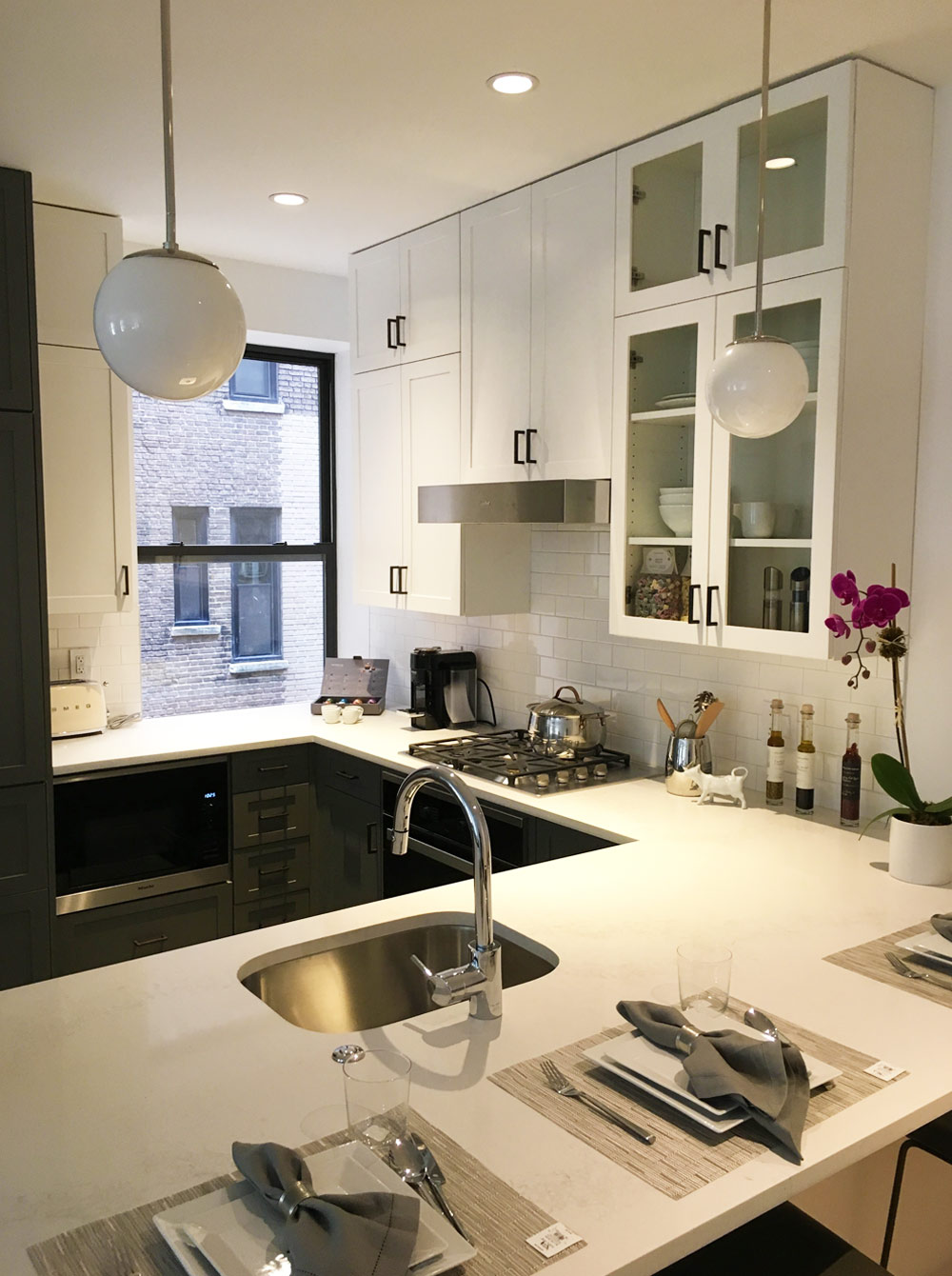 Manhattan Apartment White Kitchen